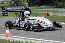 百公里加速2秒的电动车是如何打造的?