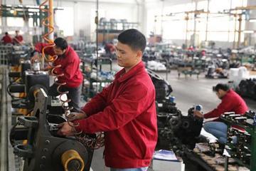 赣州一公司通过技术革新 可规模生产新能源车变速箱