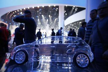 IT巨头跨界汽车业 汽车开足引擎触网淘金