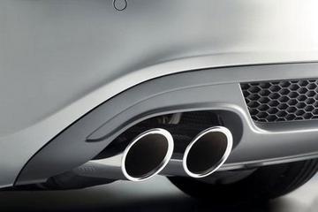 目标过多执行力分散 新能源汽车推广应聚焦节能减排