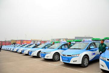泸州首批150辆新能源汽车今起投入试运营
