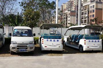广西贵港无牌电动汽车上路执法 公车短缺实属无奈?