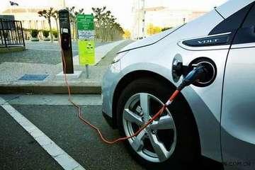 2014年共3.94万辆新能源汽车免征购置税