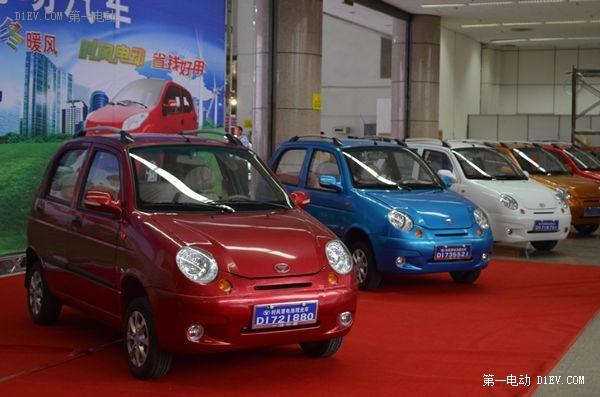 的标准要求比现行新能源汽车的标准高很多,要求时速大于100km/h及120