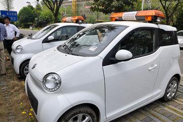 东风风神E30纯电动轿车正式在成都双流国际机场投入运营