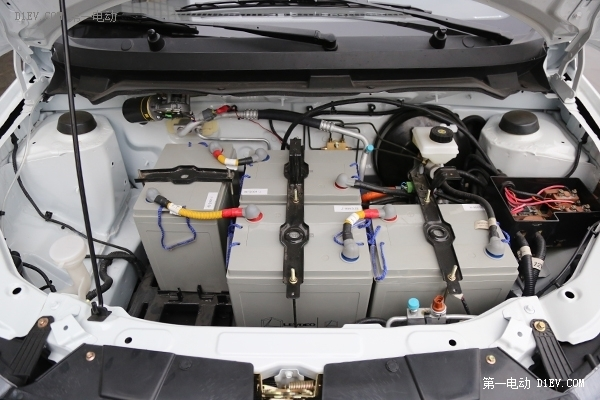 全网首发雷丁V60高品质三厢微电评测