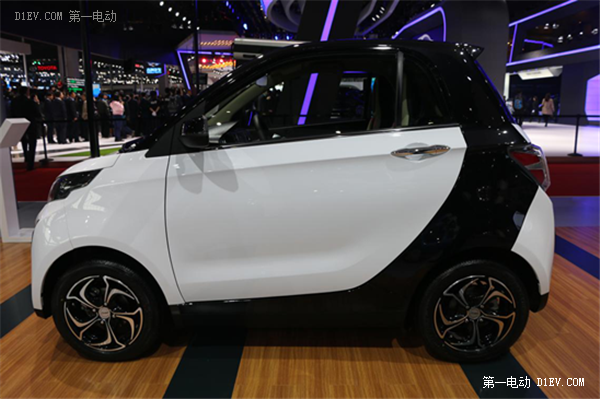 众泰纯电动汽车四杰携新品众泰Z700、大迈X5惊艳亮