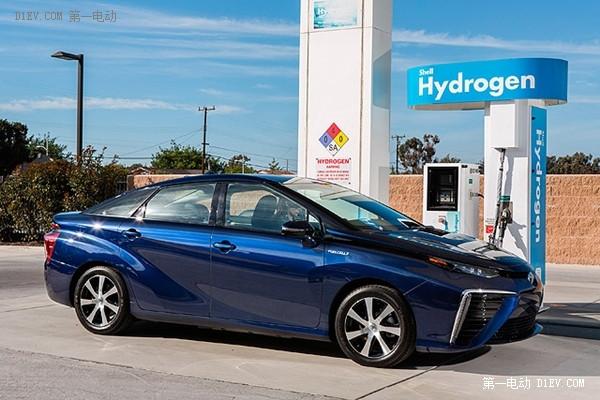 吃屎也能跑!丰田燃料电池车Mirai靠牛粪生成氢动力