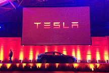 特斯拉Model X引发纯电动SUV大战  宝马奥迪推新车围攻