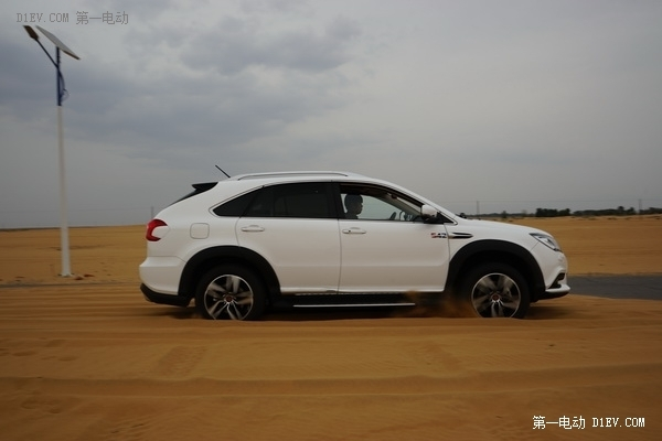 中国品牌之实测比亚迪混动唐(2):沙漠篇