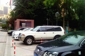 电亮中国充电先锋行动:暴雨冰雹中开奇瑞eQ电动车完成勘察