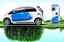 特别策划   传统车市低迷 新能源汽车一枝独秀