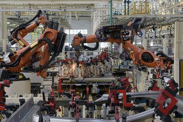 初探众泰金坛基地:对标工业4.0,传统车新能源复合生产