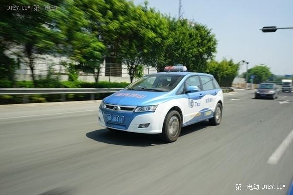 比亚迪新e6纯电动出租车交付深圳 年内投放2000辆新车