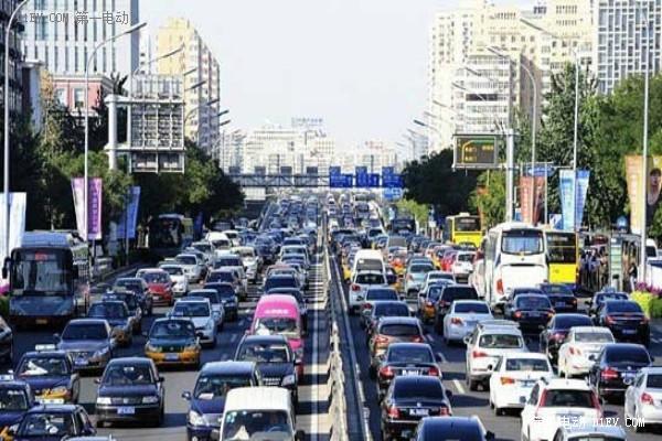 积分管理成抓手 不达标企业罚款可达百亿 乘用车燃料消耗管理办法拟定