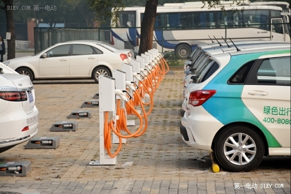 北京工业大学55年校庆 约电联盟助力校园绿色出行50个充电终端建成