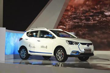 江淮iEV6S电动SUV正式亮相 携手普天新能源推进充电桩建设