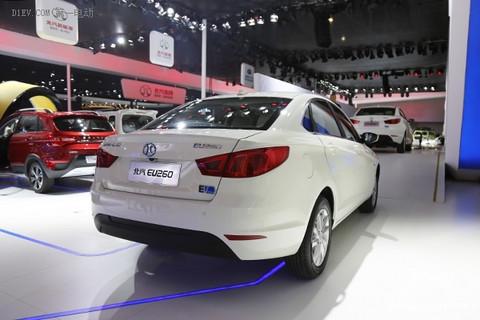 2015广州车展 | 北汽新能源EU260首发 售25.49万