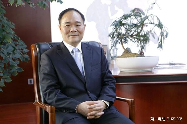 李书福接受第一电动网专访