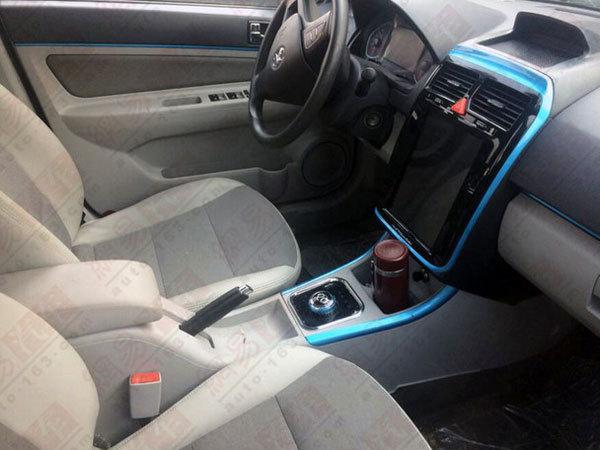 新款北汽EV200谍照曝光 中控大屏成亮点