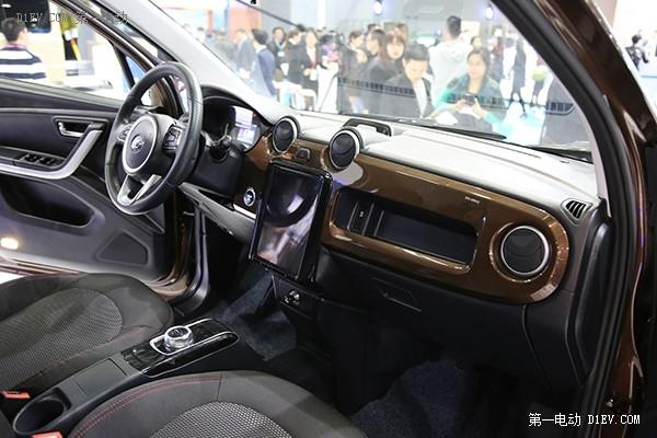 与奔驰合作打造B级纯电动车,长江汽车3款重磅车型亮相GNEV广交展