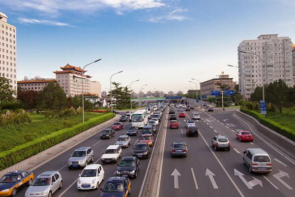 国务院批准北京新能源车总量控制:一年不超6万