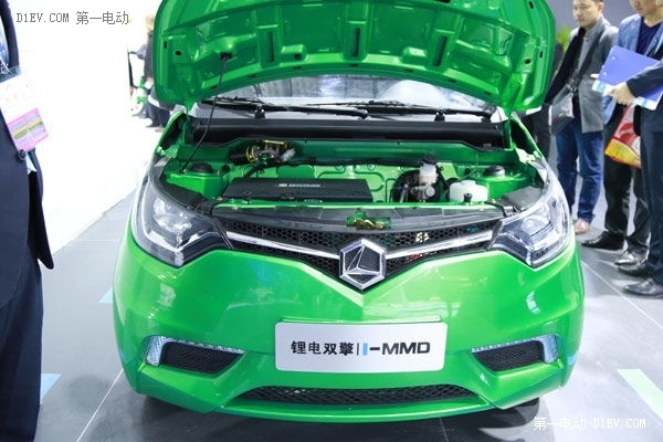 雷丁D70混动版微型电动车