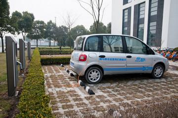 西安明确新能源车充电服务费上限标准 乘用车每度0.4元