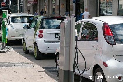 EV晨报 | 今后五年电池能量密度将再提高一倍;松下电池厂明年投产;北汽新能源EX200上市