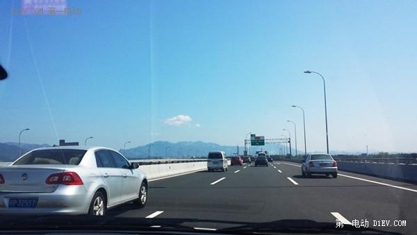 周末试驾启辰晨风纯电动汽车怀柔雁西湖旅行