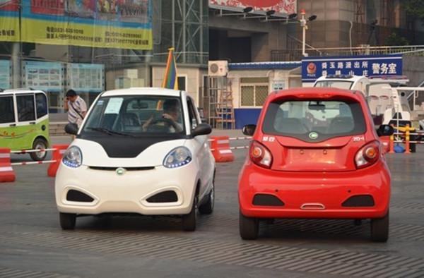低速电动车厂家看过来,以后造车或将必须用锂电
