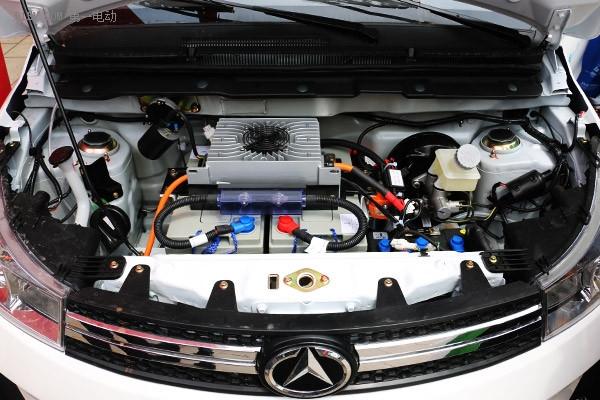 小型电动车同样能玩儿智能化 丽驰汽车智能家族新品上市