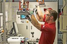 丰田/日产锂离子电池大变革 提升电动车续航里程