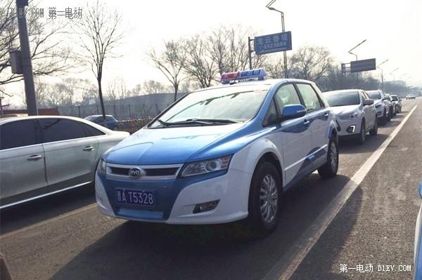 比亚迪e6纯电动出租车