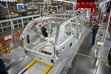 由车身轻量化引发的思考:未来汽车还需要焊接吗?