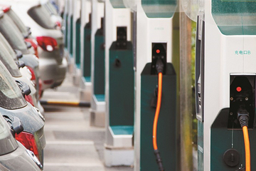 全国已建成公共充电桩8万多个 基建方面存四问题
