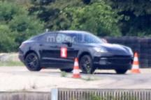 外媒:保时捷神秘测试车是纯电动新SUV?