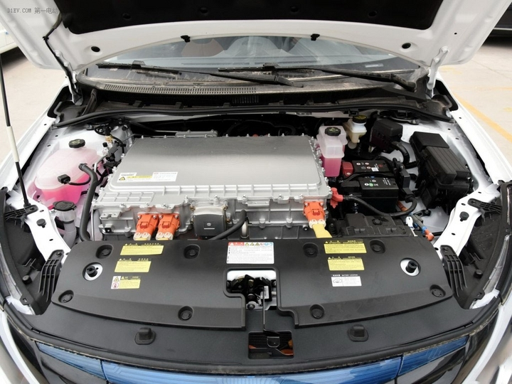5款带座椅加热纯电动车型推荐:秦EV300、晨风、北汽ES210等