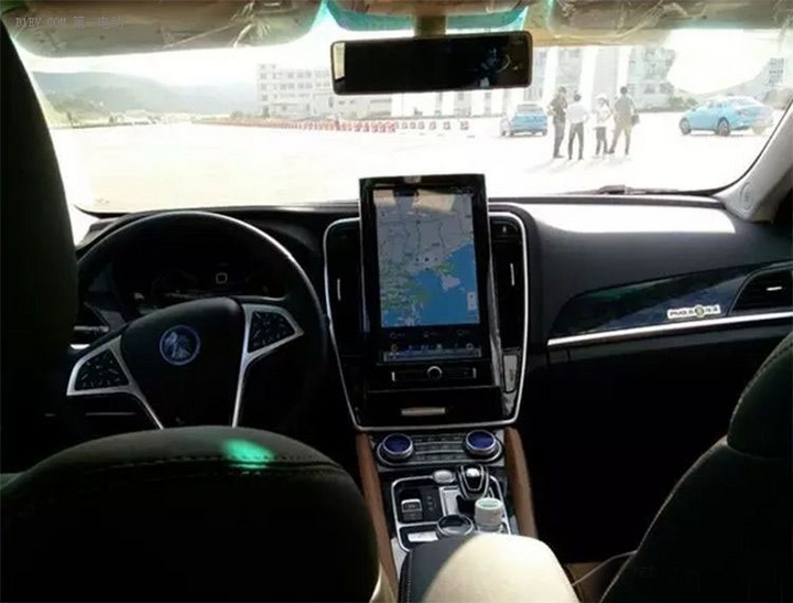 比亚迪<a class='link' href='http://car.d1ev.com/series-20/' target='_blank'>秦</a>100实车图片 内外质感大提升/配中控液晶大屏