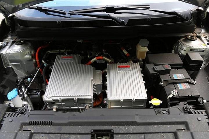 纯电动SUV颜值担当 江淮iEV6S性价比很高