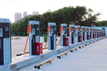 山西:高速公路建成38座电动汽车快充站
