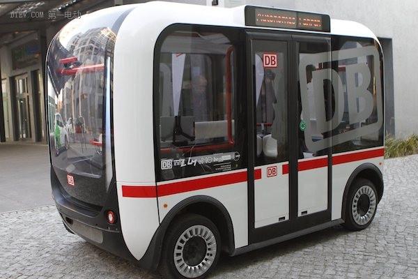 澳大利亚街头的无人驾驶巴士