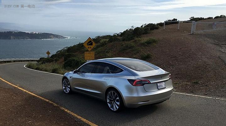 特斯拉Model 3可能会采用太阳能车顶篷技术