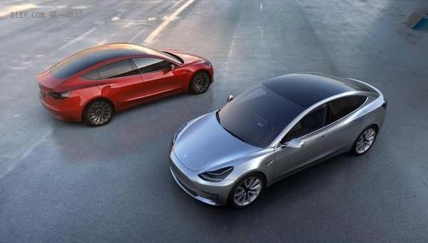特斯拉Model3 距离街车还有多远