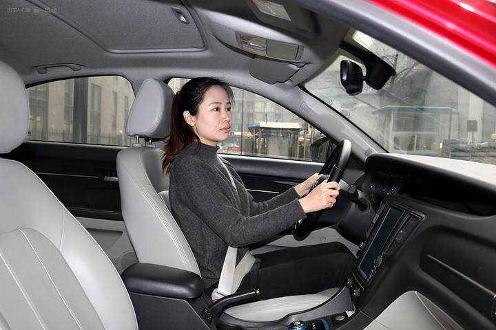 图集 | 北汽EU260 底盘舒适/操控性好/刹车灵敏