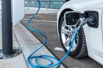 充电问题突出,电动汽车安全呼唤高标准