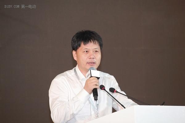电动物流车大会   运创租赁董事长黄继宏:互联网+物流电动车的模式创新