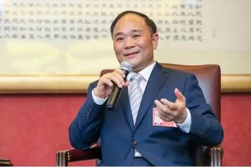 """""""网红""""政协委员李书福:十五年来都提了哪些议案?"""
