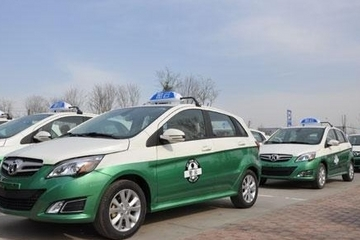 强制电动出租车受挫,新能源汽车之路应该如何走?