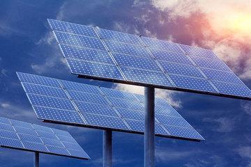 """我国科学家研发""""全天候""""发电的太阳能电池"""